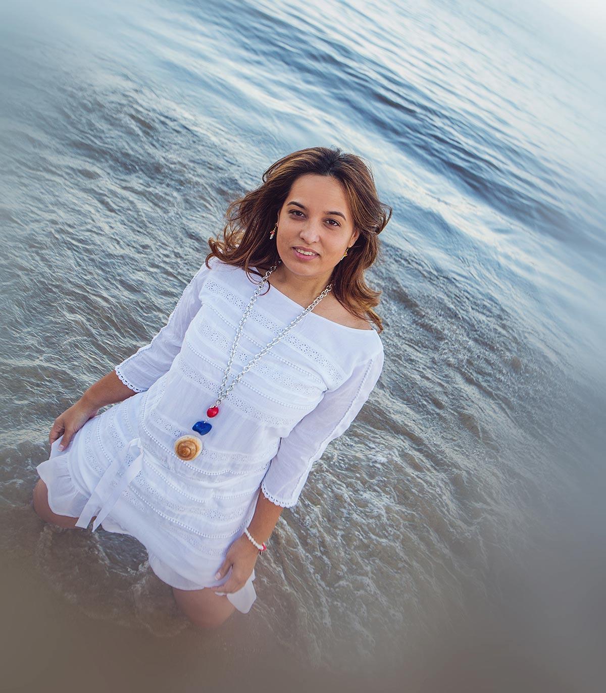 Collar Caracola, diponible para comprar online en la tienda de bisutería anabi.es
